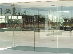 frameless-glass-shopfront